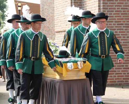 Begrafenis begeleiden kist